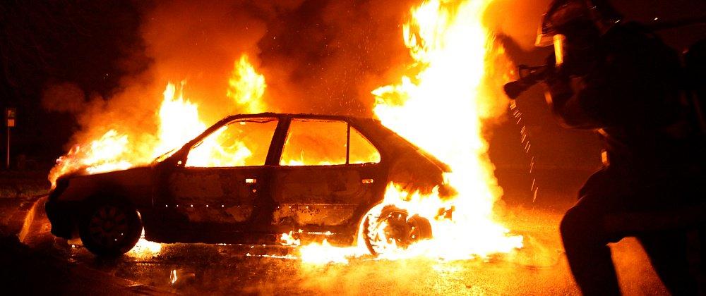 Житель Воронежа поджег автомобиль со своей годовалой дочерью после ссоры с женой