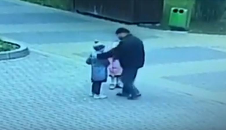 Жителю Зеленоградска грозит до 20 лет колонии за поцелуй шестилетней гимназистки