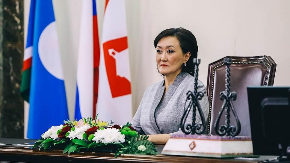 Глава Якутска продает здание мэрии и хочет забрать у чиновников служебные авто
