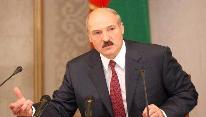 Лукашенко заявил, что коронавирус «встряхнул» здравоохранение в стране