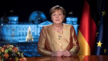 Меркель пообещала привиться от коронавируса в свою очередь