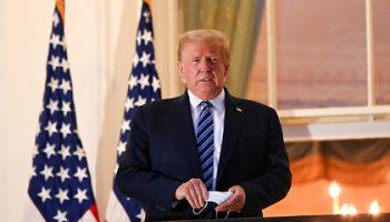 Трамп посчитал карантин из-за коронавируса хуже самой эпидемии