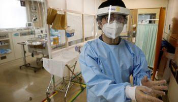 Врач предупредил о серьезных последствиях легкой формы коронавируса