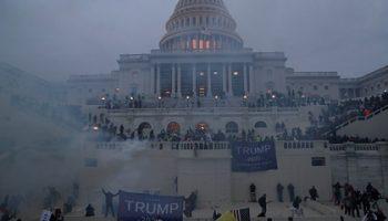 Четыре человека погибли в ходе протестов в Вашингтоне
