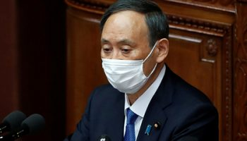 Японский премьер заявил о необходимости решить вопрос Южных Курил