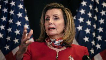 Нэнси Пелоси в четвертый раз возглавила палату представителей США