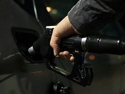 «Роснефть» почти на рубль подняла цену на 98-й бензин на Сахалине