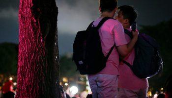 В Сингапуре потребовали отменить запрет на секс между мужчинами