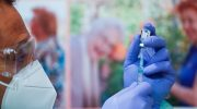 В Словакии мужчина скончался после вакцинации Pfizer