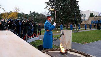 Выливших цемент на Вечный огонь в Белграде вандалов задержали