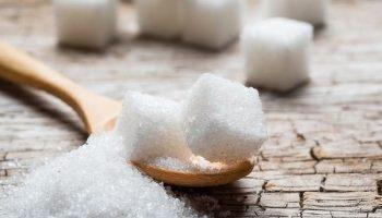 Власти начали распределять объемы поставок сахара