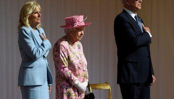 Джо Байден встретился с Елизаветой II и сравнил ее со своей матерью