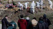 «Похороним двоих, третьего бесплатно!» Почему снижаются тарифы на рытье могил